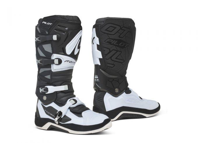 Forma Pilot MX Boots, black-white 1